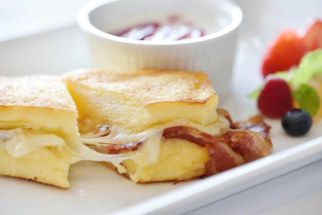 モンテクリストサンド|ホテルニューグランド|朝食