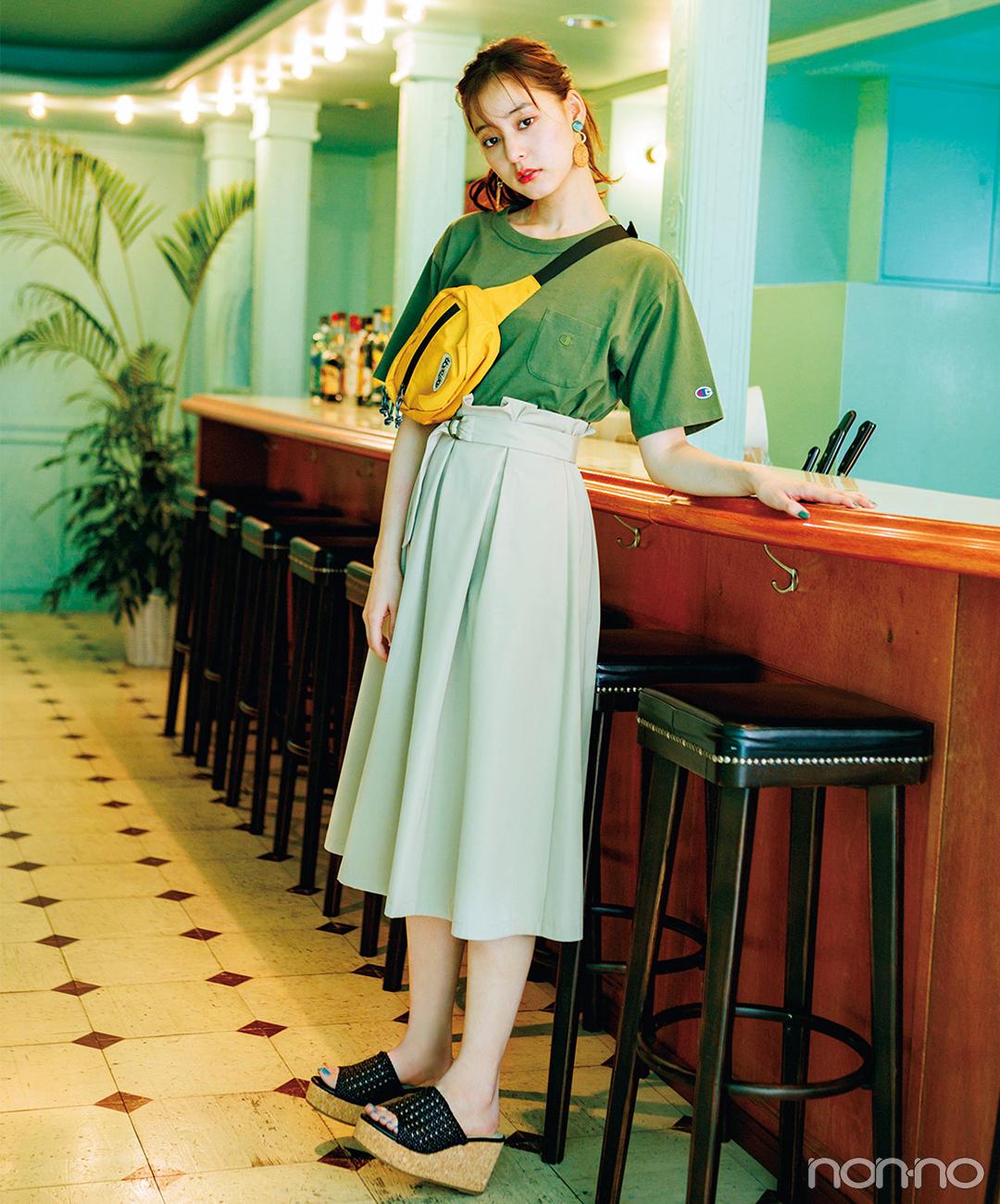 新木優子はプチロゴTシャツ&スカートで夏の甘カジュアル♡【毎日コーデ】