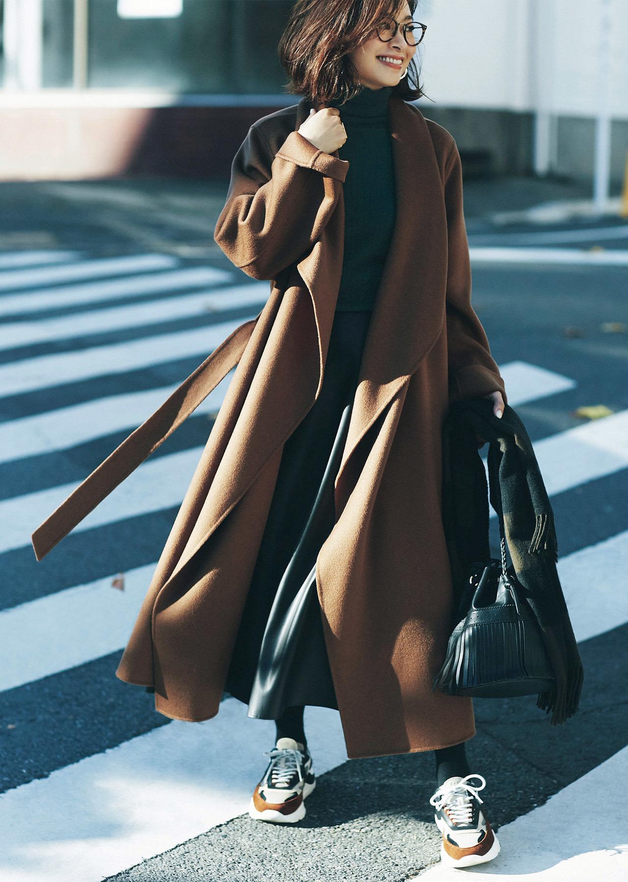 ブラウン系のスニーカーは私の服に合わせやすく便利