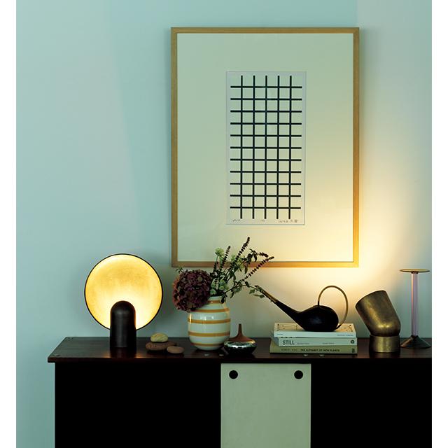 テーブルランプ 右「Spot Light」¥150,000・左「Surface Sconce」¥200,000/エコ ジェーエーユー