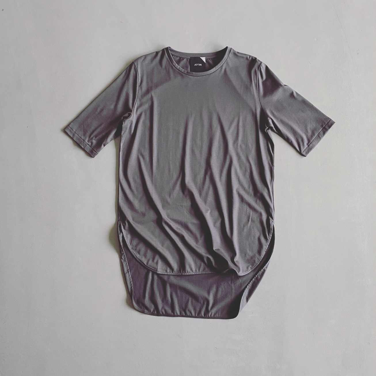 """1万円前後の""""ちょっと高い""""と感じるTシャツを買う時に私が気をつけていること【エディター坪田あさみのおしゃれと暮らしと時々名品 #16】_1_4"""