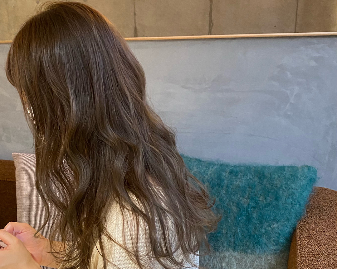 シャンプーやトリートメント選びにもこだわって、髪のキメがそろった状態を目指そう