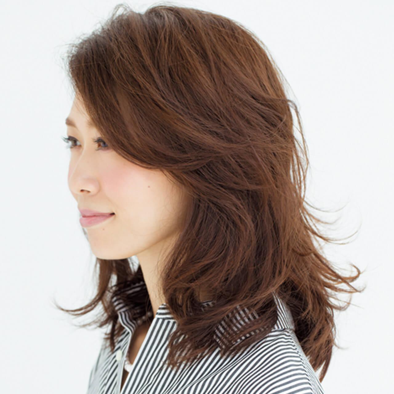 深刻な前髪のうねりも解決!長め×流し前髪でまとまりのあるツヤ髪が完成【40代のミディアムヘア】_1_2