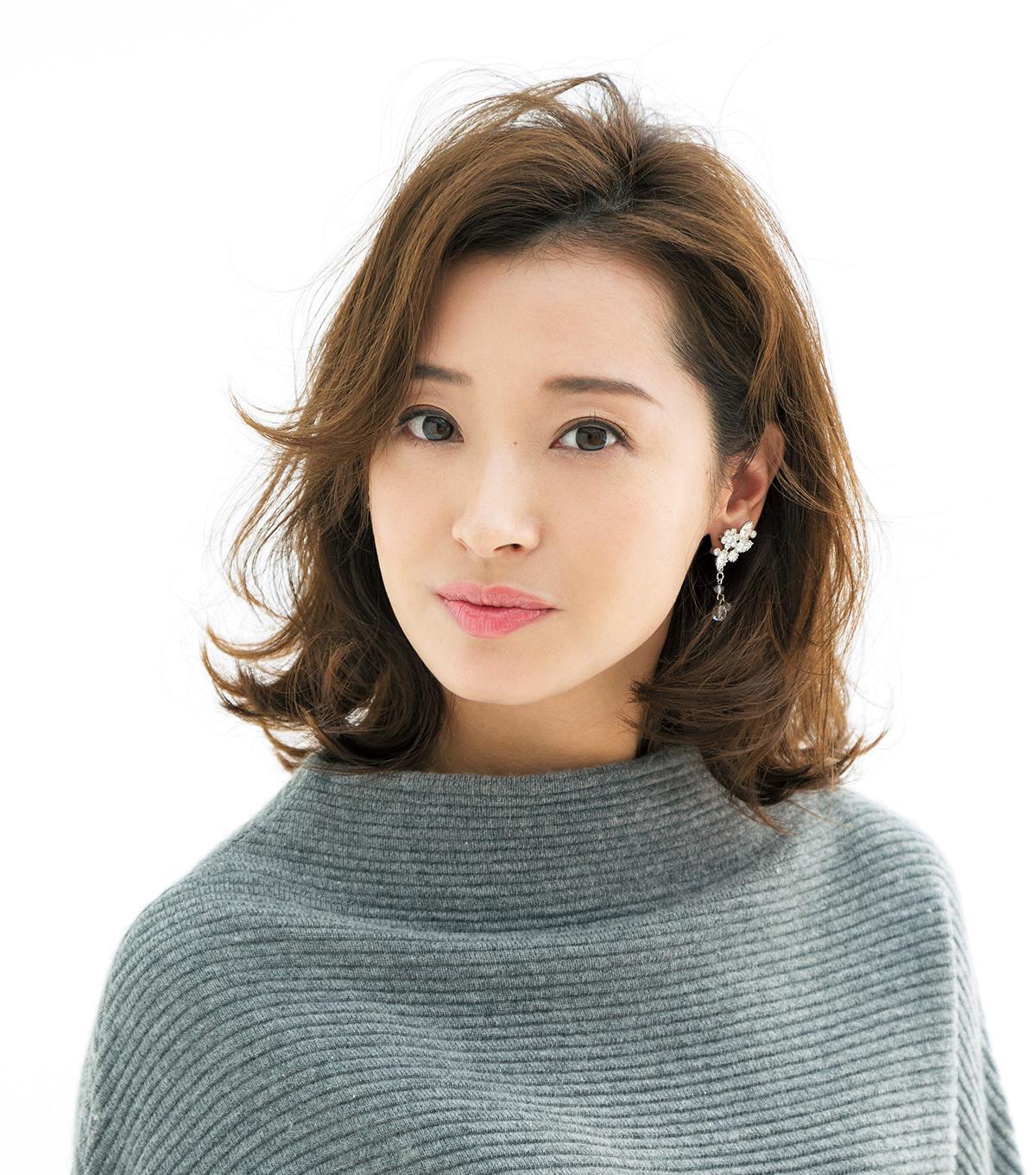 「+ワンテク」で魅せる最新ミディアムスタイル【40代のミディアムヘア】_1_1