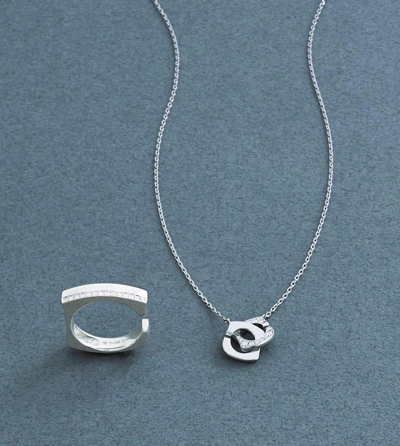 ダイヤモンド×プラチナのペンダントとリング