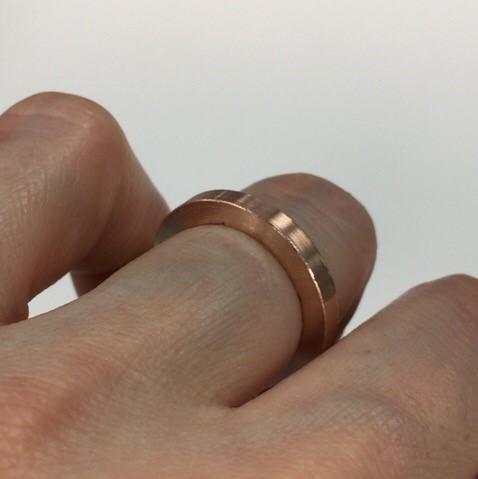 私にとっての逸品ジュエリー、それは唯一無二のリングです_1_3-2
