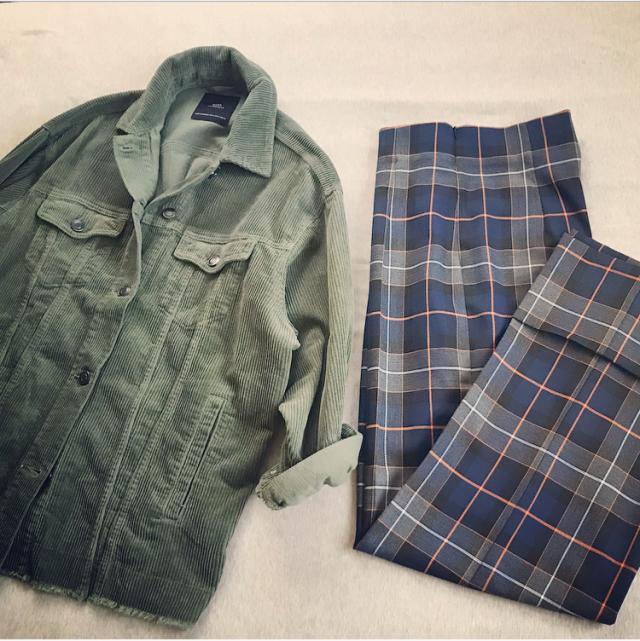 ファッション ZARAのコーデュロイジャケットとチェック柄パンツ