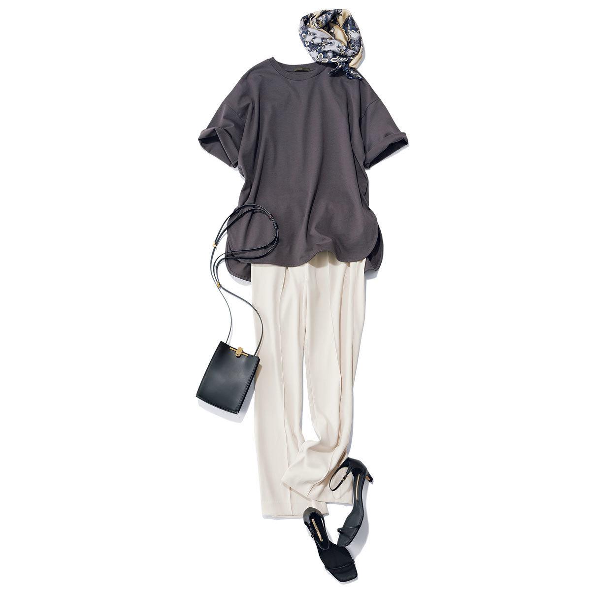 ■スミクロTシャツ × イフホワイトのパンツ