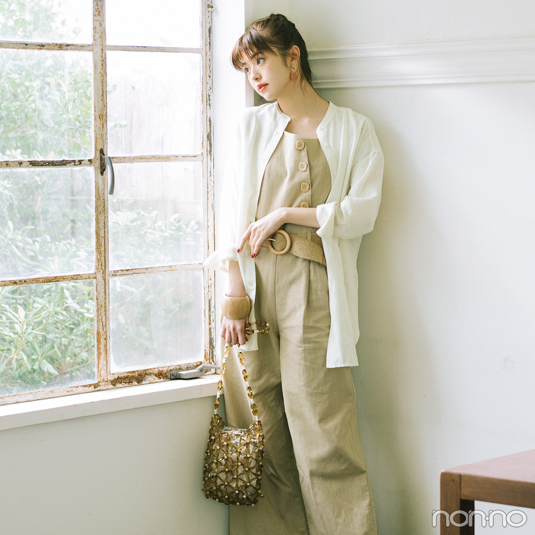 寒色トーンの小花柄スカートで大人なフェミニンスタイル【毎日コーデ】_1_2-1
