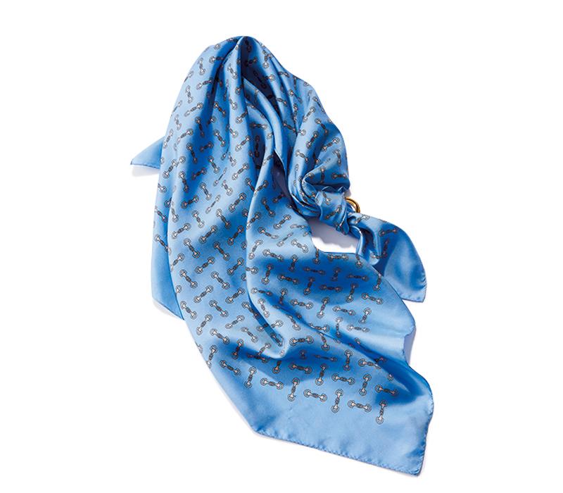 バブリーっぽくならないスカーフ術が知りたい!_1_1-2