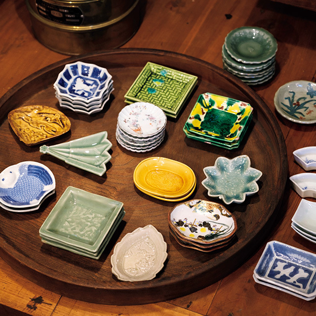 江戸後期から昭和前期まで時代もさまざまな豆皿コーナー
