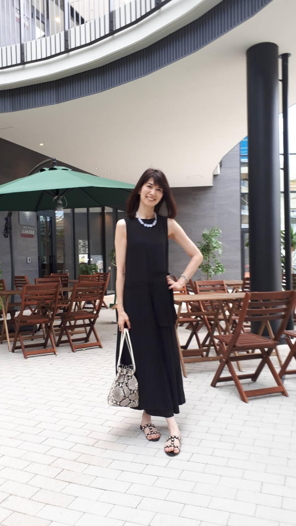 夏のブラックは素材とデザインで楽しむ_1_3