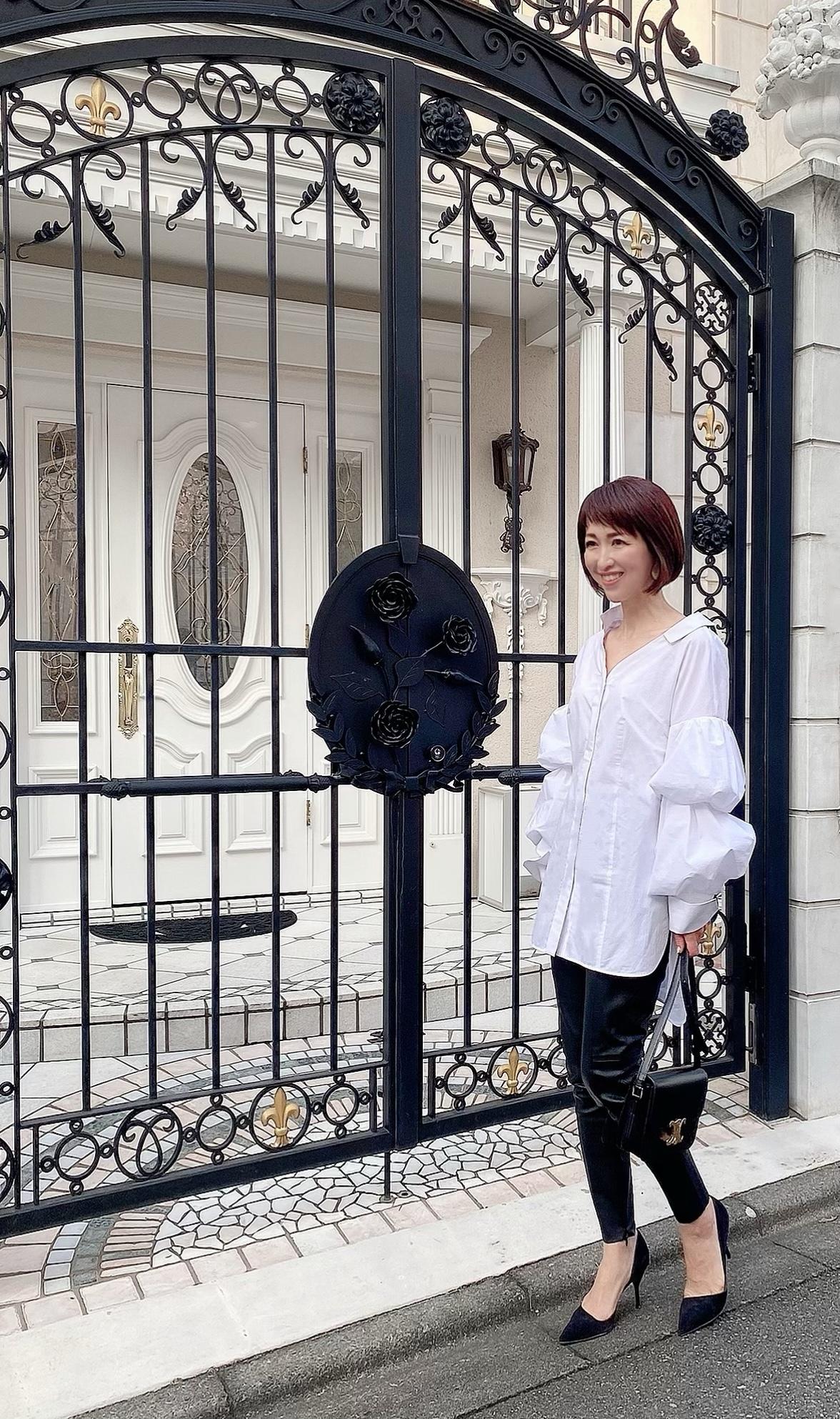 デコラティブな白シャツで華組ランチ_1_1