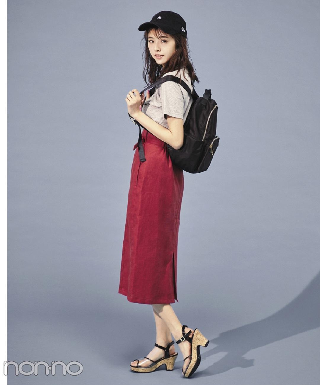 【夏のTシャツコーデ】江野沢愛美の、花柄ロングワンピ×白スニーカーで程よいガーリーコーデ