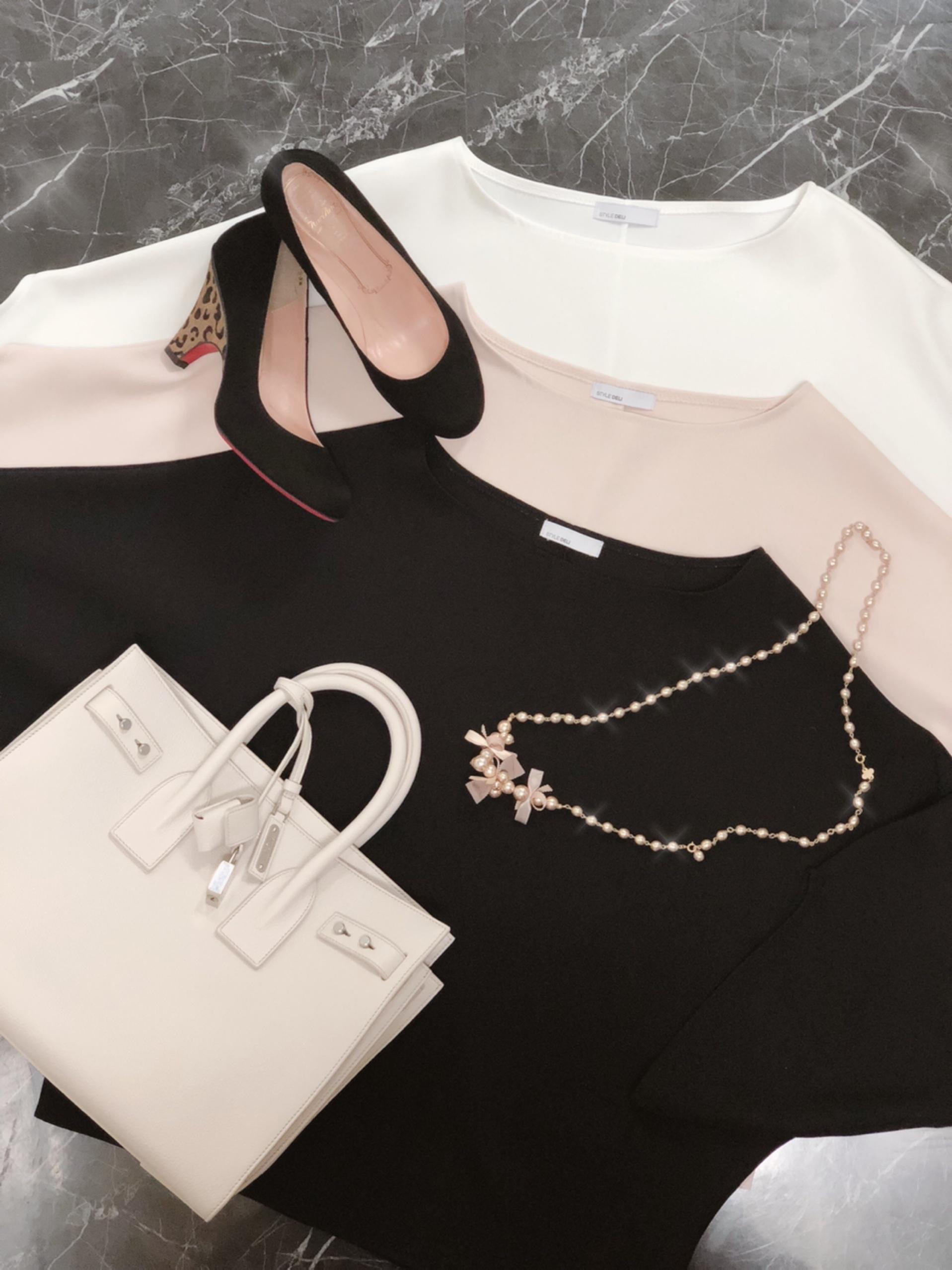 tops : STYLE DELI shoes : kariAng bag : YSL