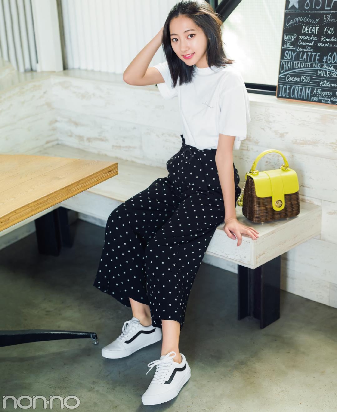 【夏のTシャツコーデ】武田玲奈は、白Tシャツ×ドットワイドパンツで大人カジュアル