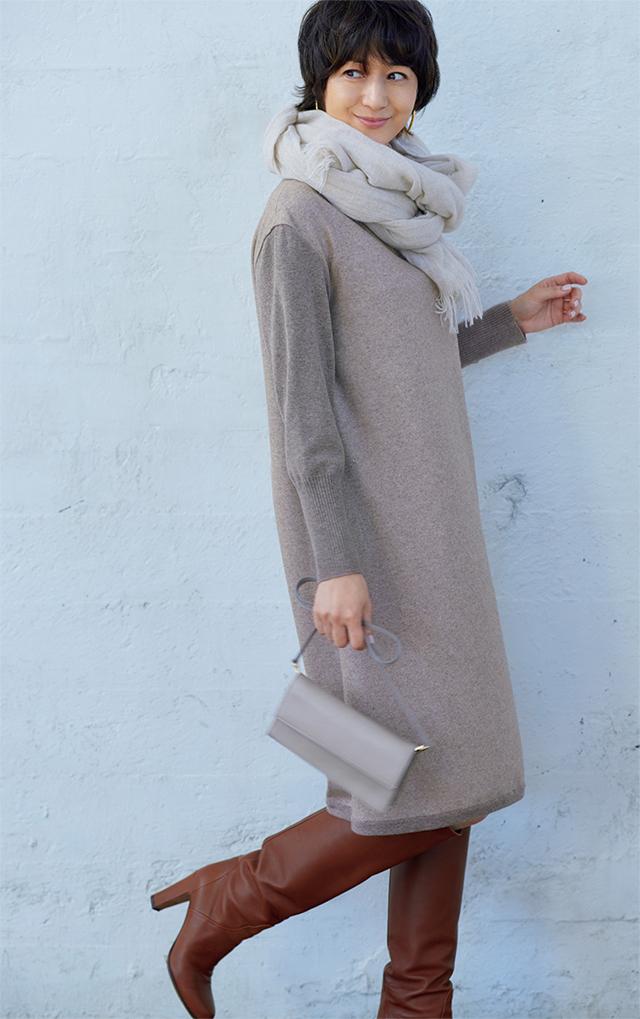 【Beige】秋の始まりに、さらりと着たいベージュのワンピース。同系色の小物を加えてリッチに