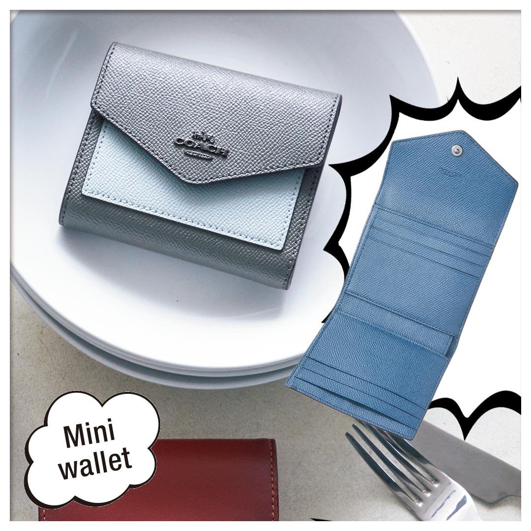 official photos f21b9 02847 コーチのミニ財布は、思ったより入る! 機能的で収納力たっぷり ...