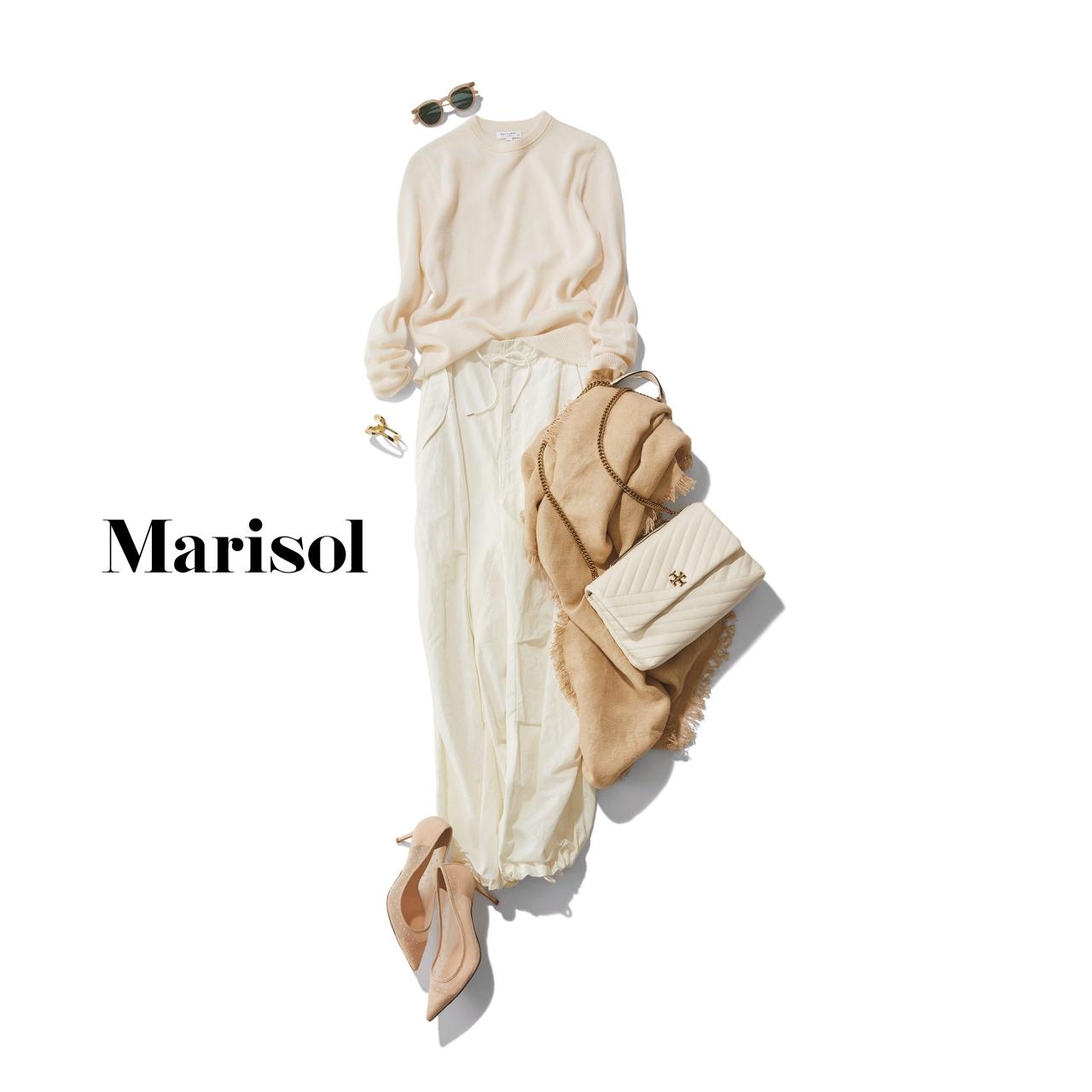 40代ファッション 白ニット×白パンツ×ベージュストールコーデ