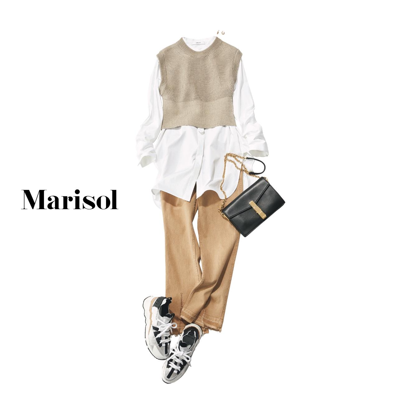 40代ファッション 白シャツ×ニットベスト×ベージュデニムパンツ コーデ