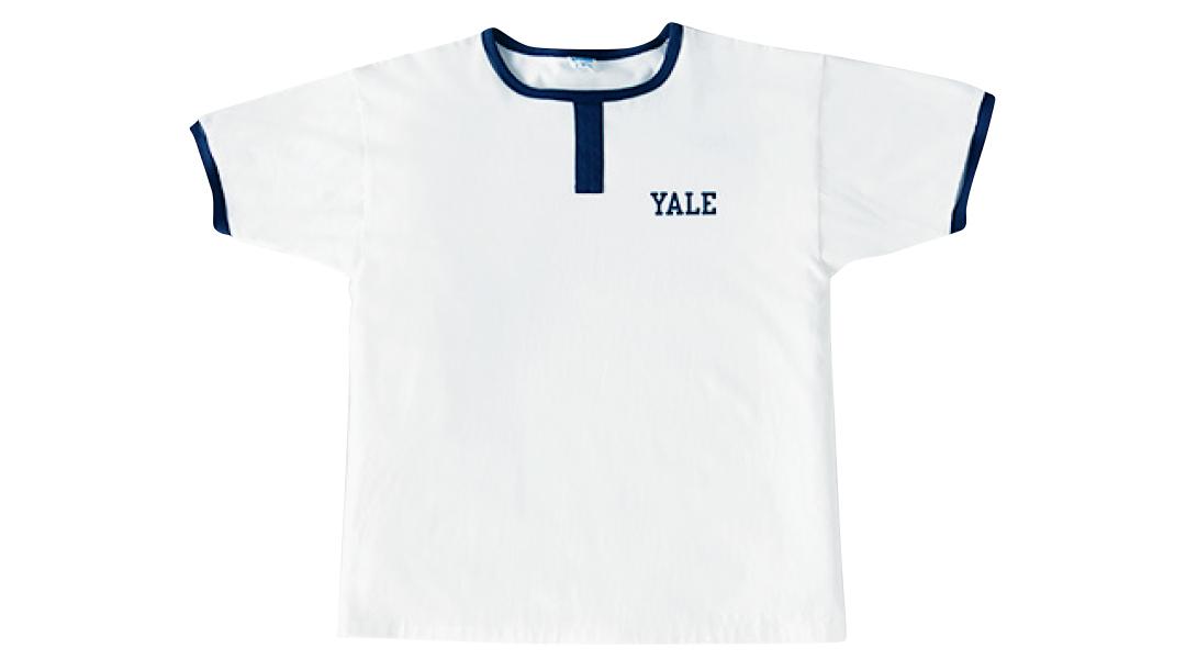 チャンピオンのTシャツ