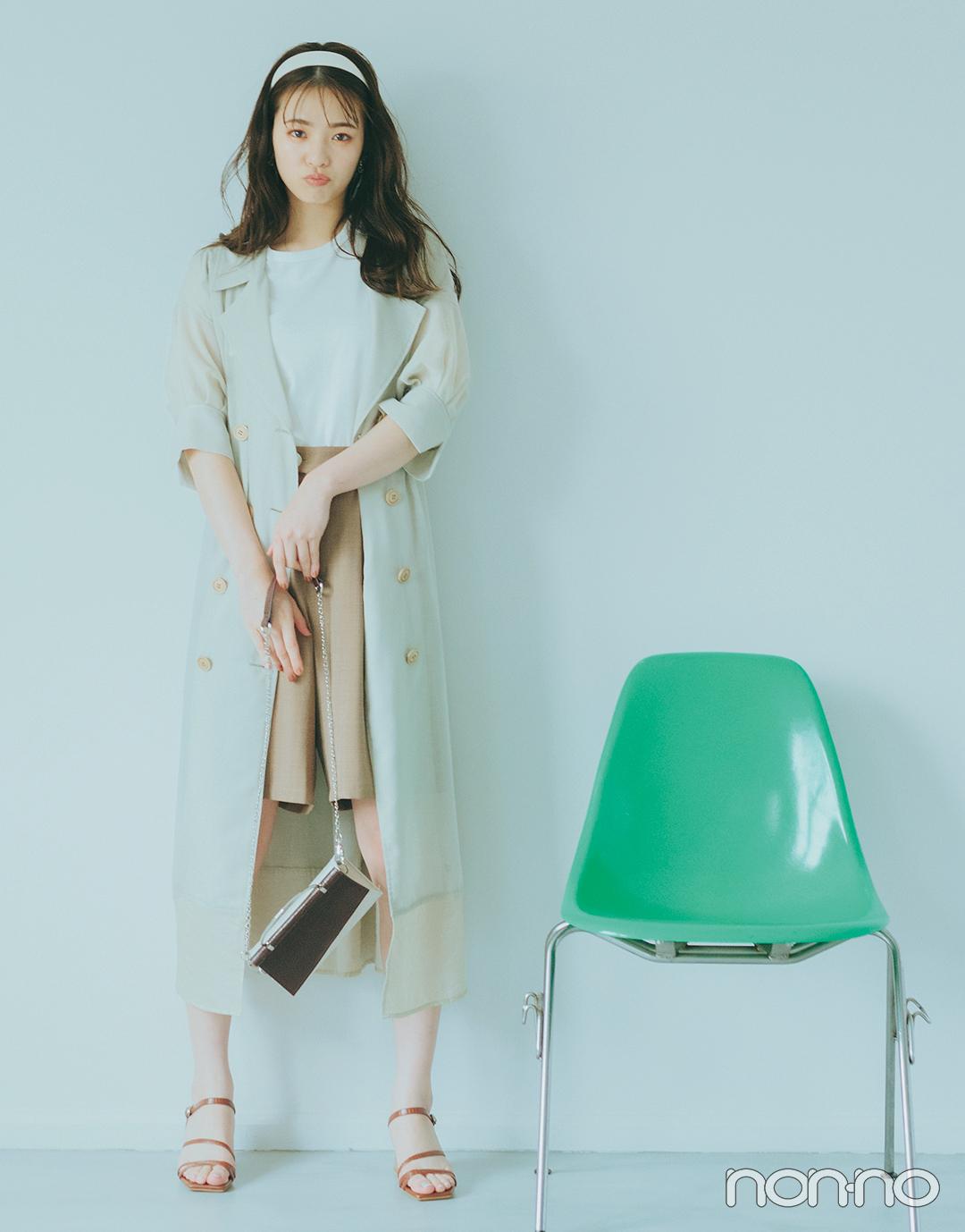 『横田真悠』の『ノースリTシャツ』モデルカット3−2