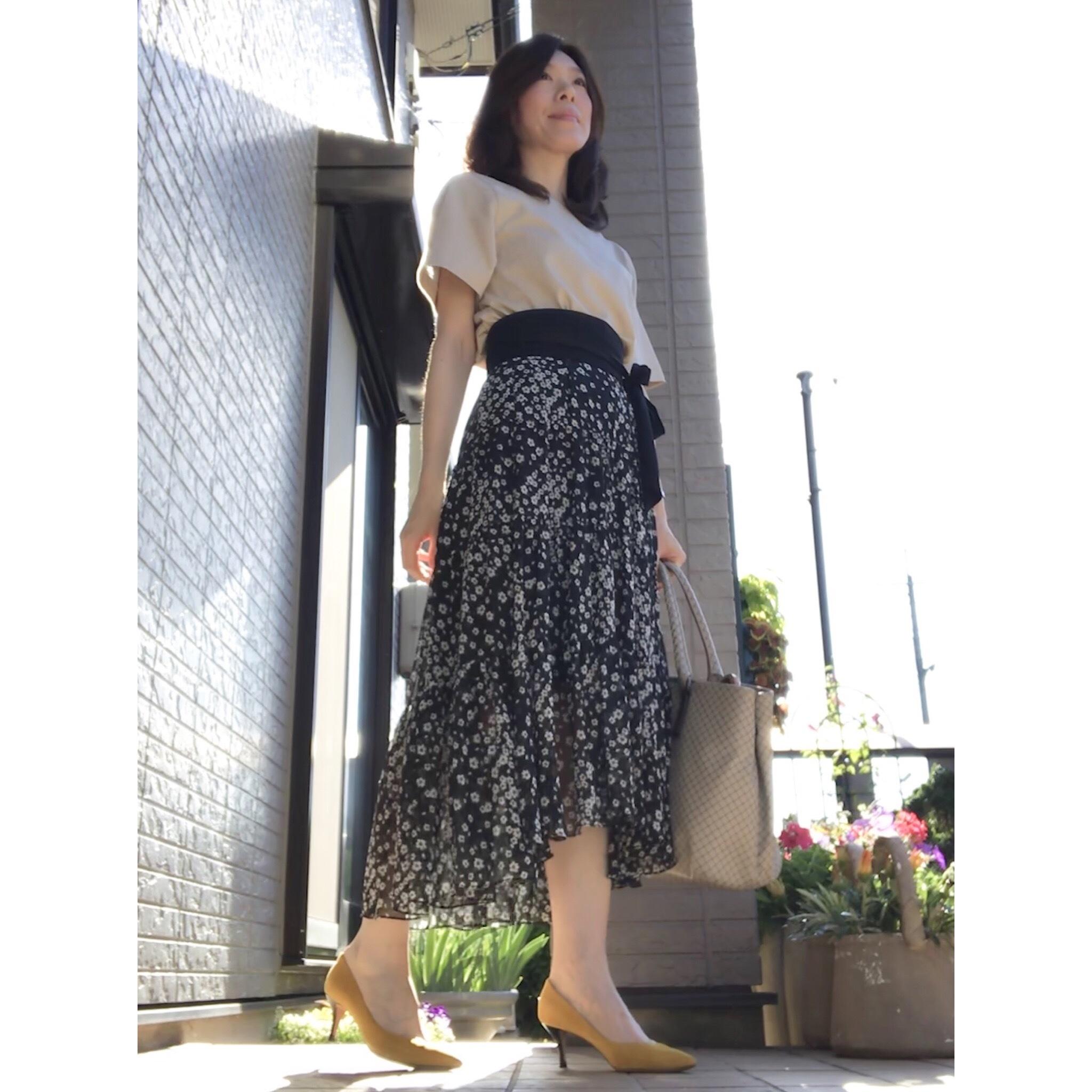 リアル通勤コーデ。カラッと晴れた木曜日はスカートをなびかせます!_1_2