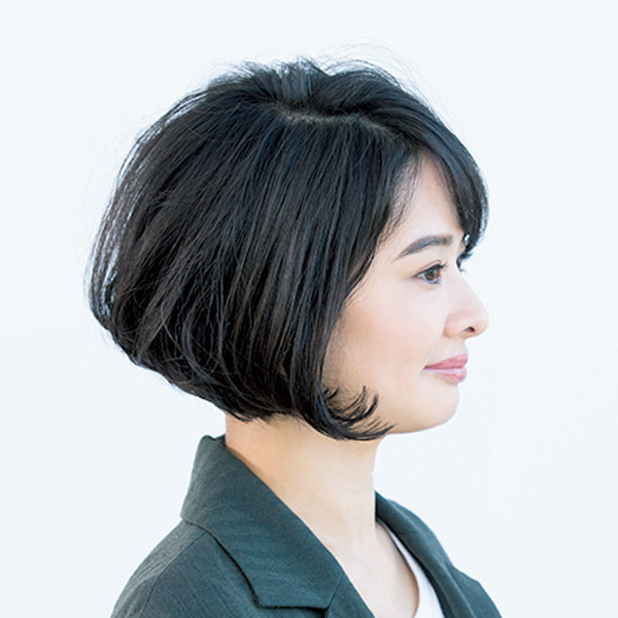 切りっぱなしな毛先はトレンド感がありつつフェミニンなボブヘア【40代のボブヘア】_1_1-2