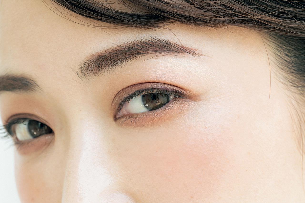 """Eyes 目もとにいきいき感を与える""""赤み""""と""""丸み""""の威力"""