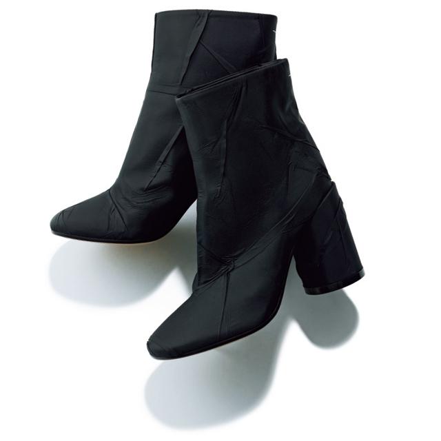 エムエム6 メゾン マルジェラ オモテサンドウの黒ショートブーツ