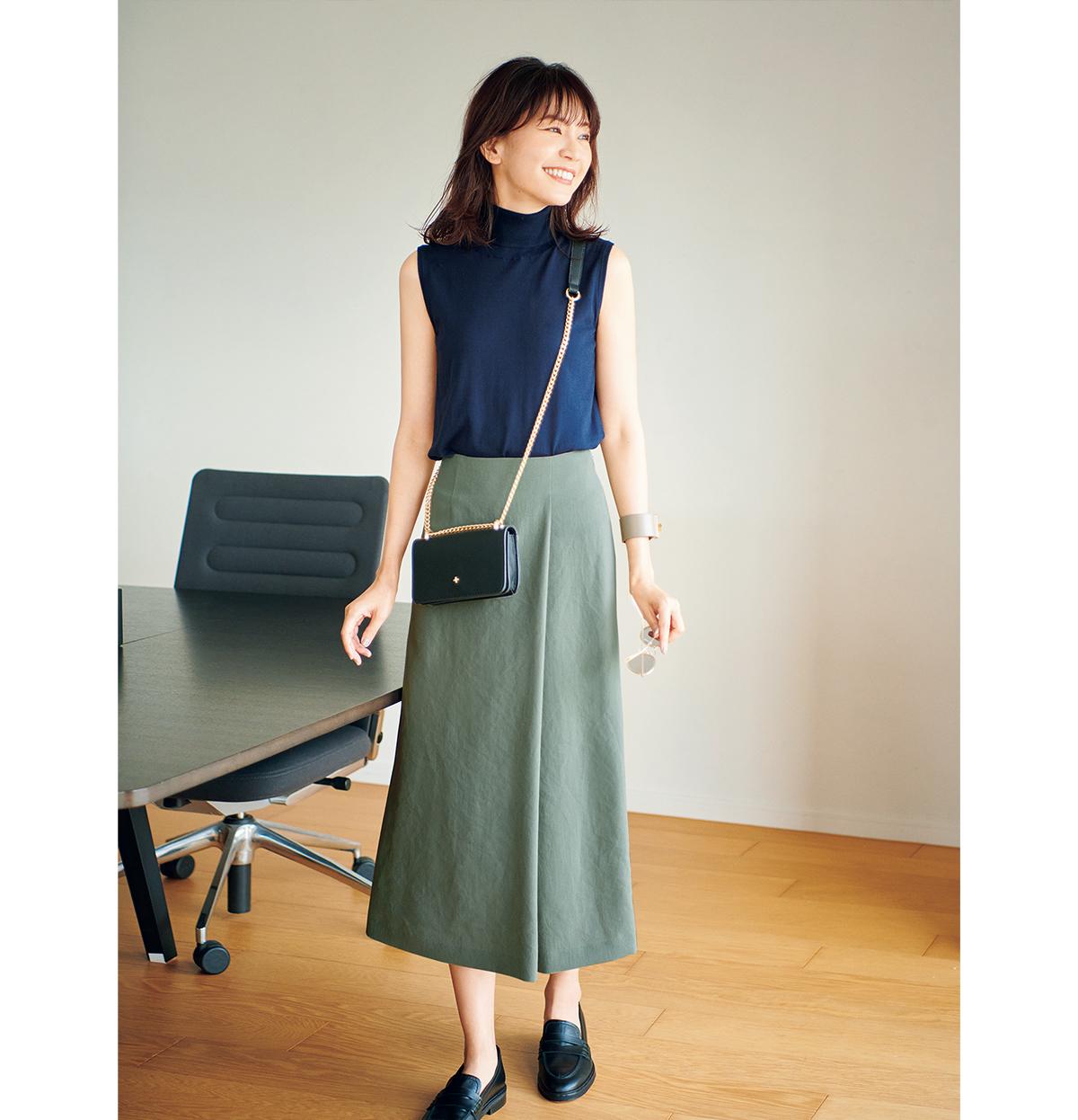 エムセブンデイズのタックナロースカート2