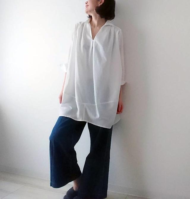 カジュアルすぎない白シャツで40代リラックスコーデ。_1_2