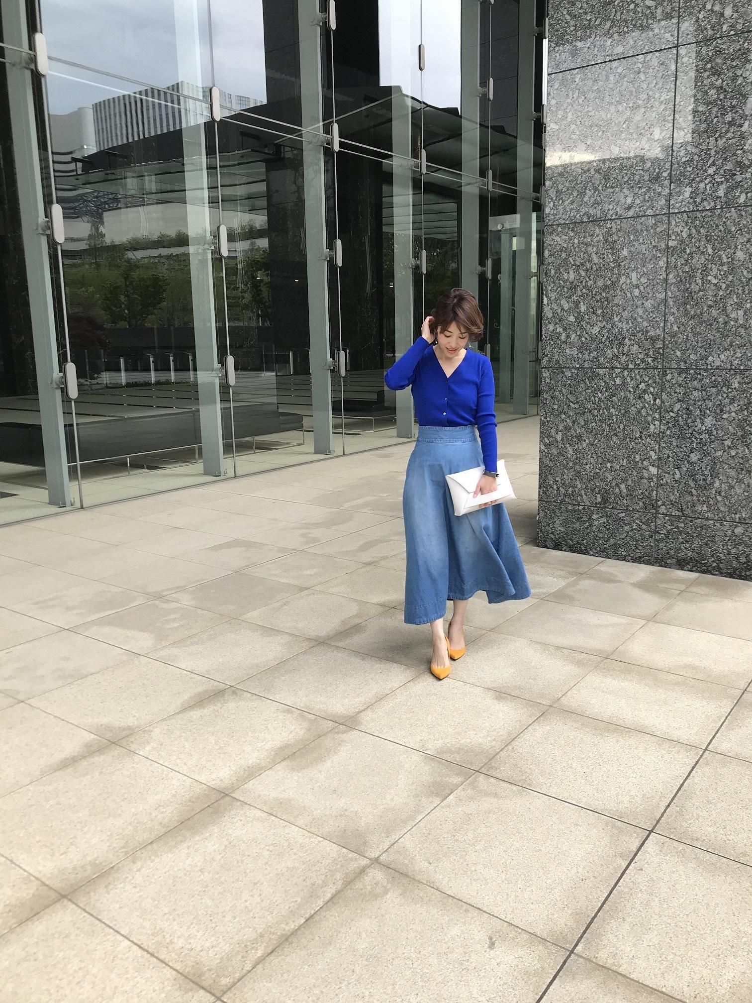 ブルーonブルー きれい色ニット投入で女っぷり格上げ♡_1_1