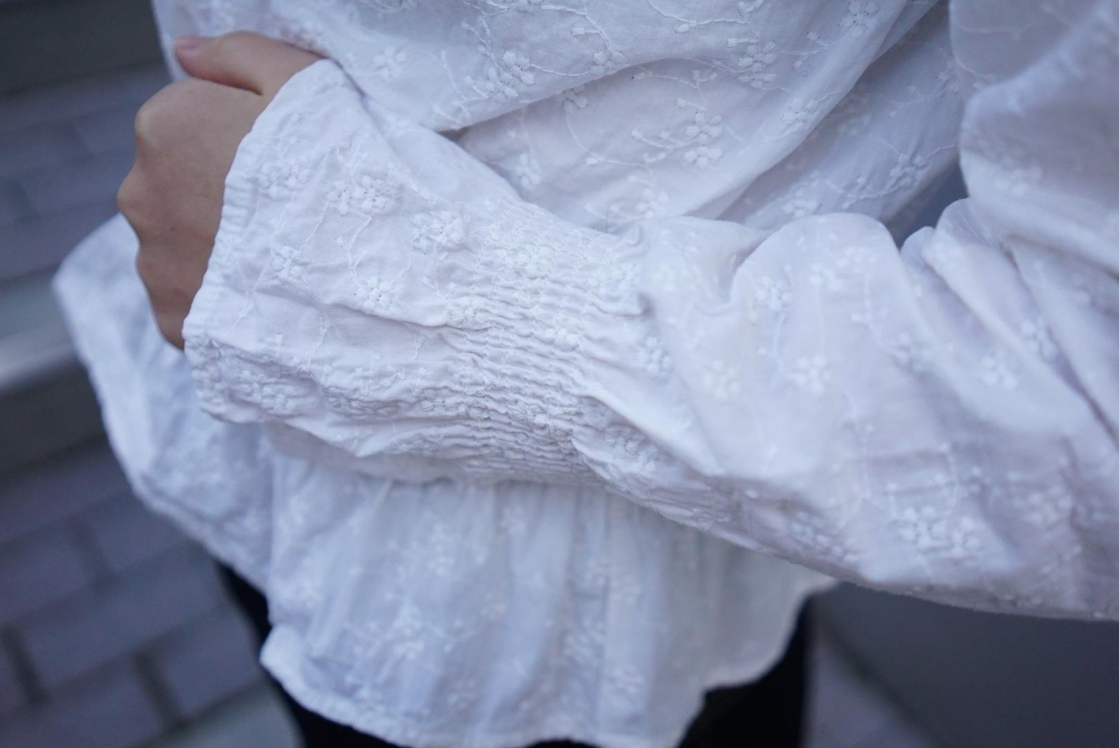 1着は持っていたい《GU》の袖フリルトップス♡_1_2