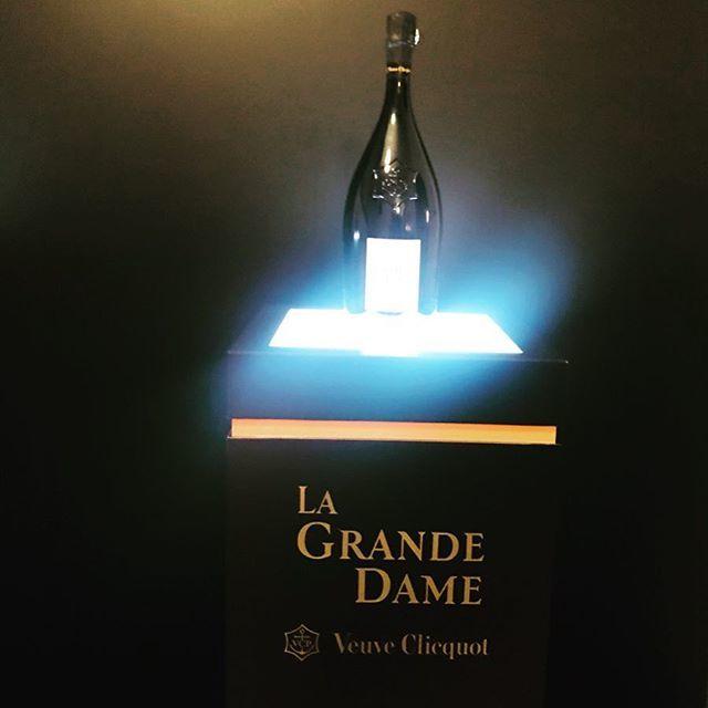 シャンパンのヴーヴ・クリコ『ラ・グランダム2008』のローンチレセプションに伺いました!_1_1