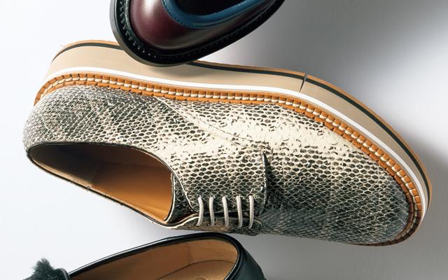 クレジュリーの靴
