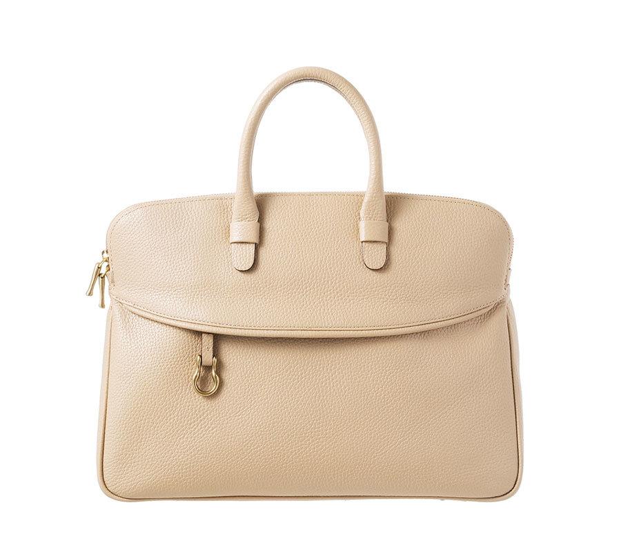 ビジネスもカジュアルも使える服から、働く女性のための出張バッグまで【人気記事ランキングトップ5】_1_1-5