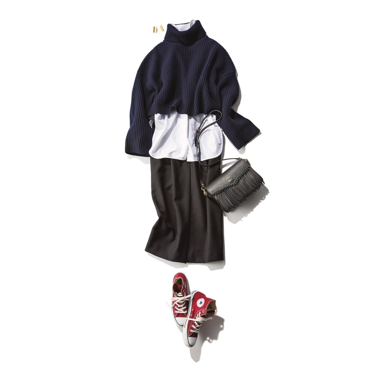 赤のコンバーススニーカー×ショートニット&スカートのファッションコーデ