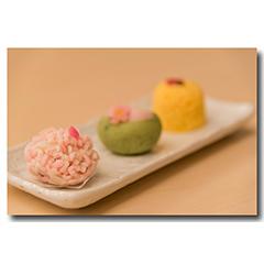 和菓子も初夏のイメージでオーダー予定(写真はイメージです)