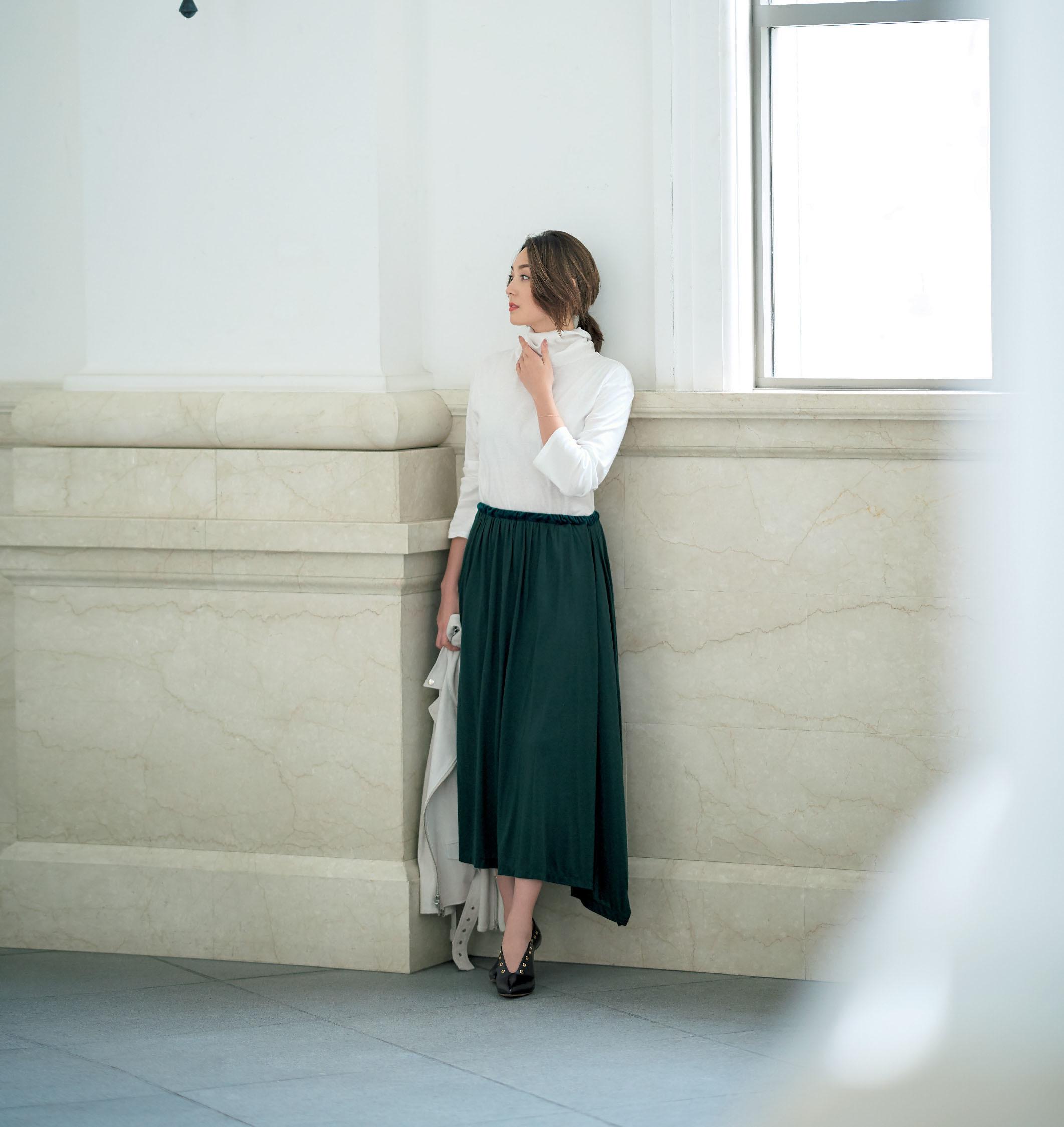 """""""どの角度から見てもきれい""""なロングスカートはグリーンを選ぶのが正解_1_1"""