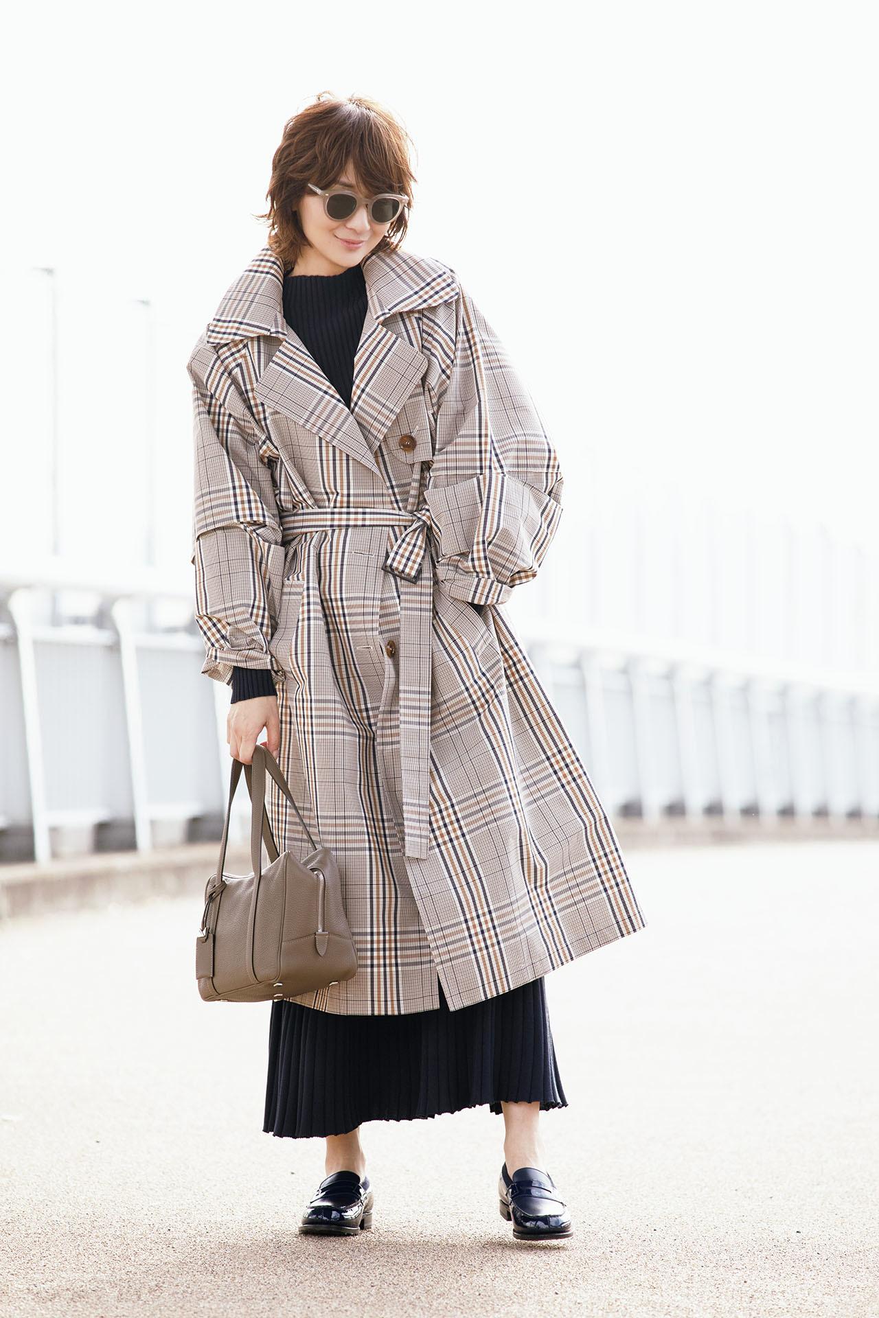 富岡佳子が着る大人の魅力の「ロング&ベルテッド」 五選_1_1-1
