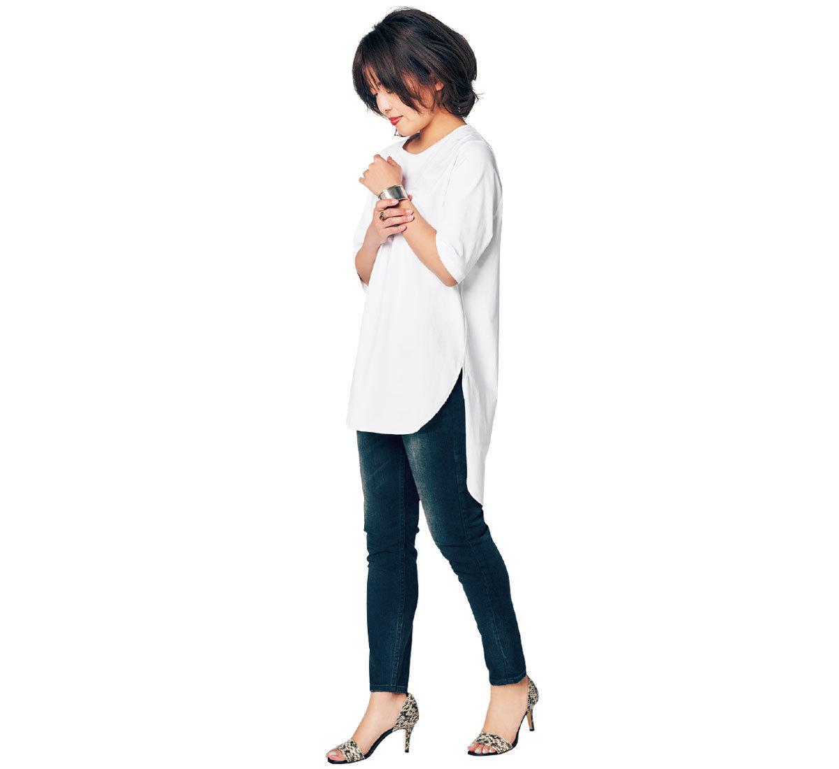 パンツ派の白Tシャツの着丈