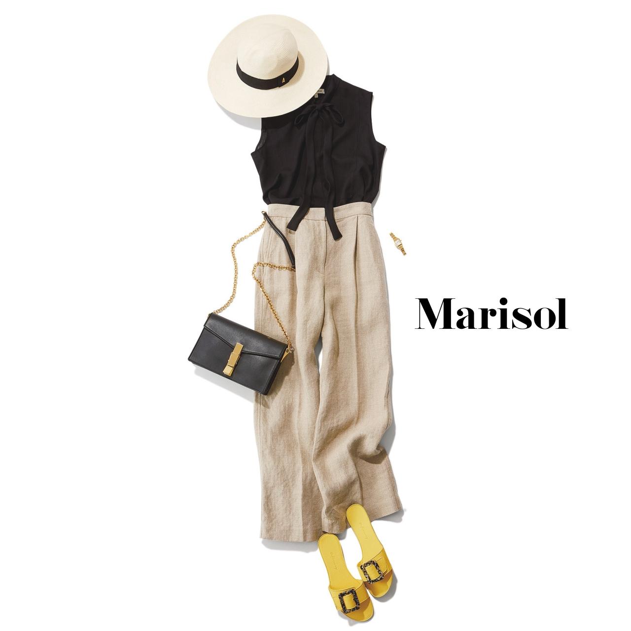 40代ファッション 黒カットソー×ベージュワイドパンツコーデ