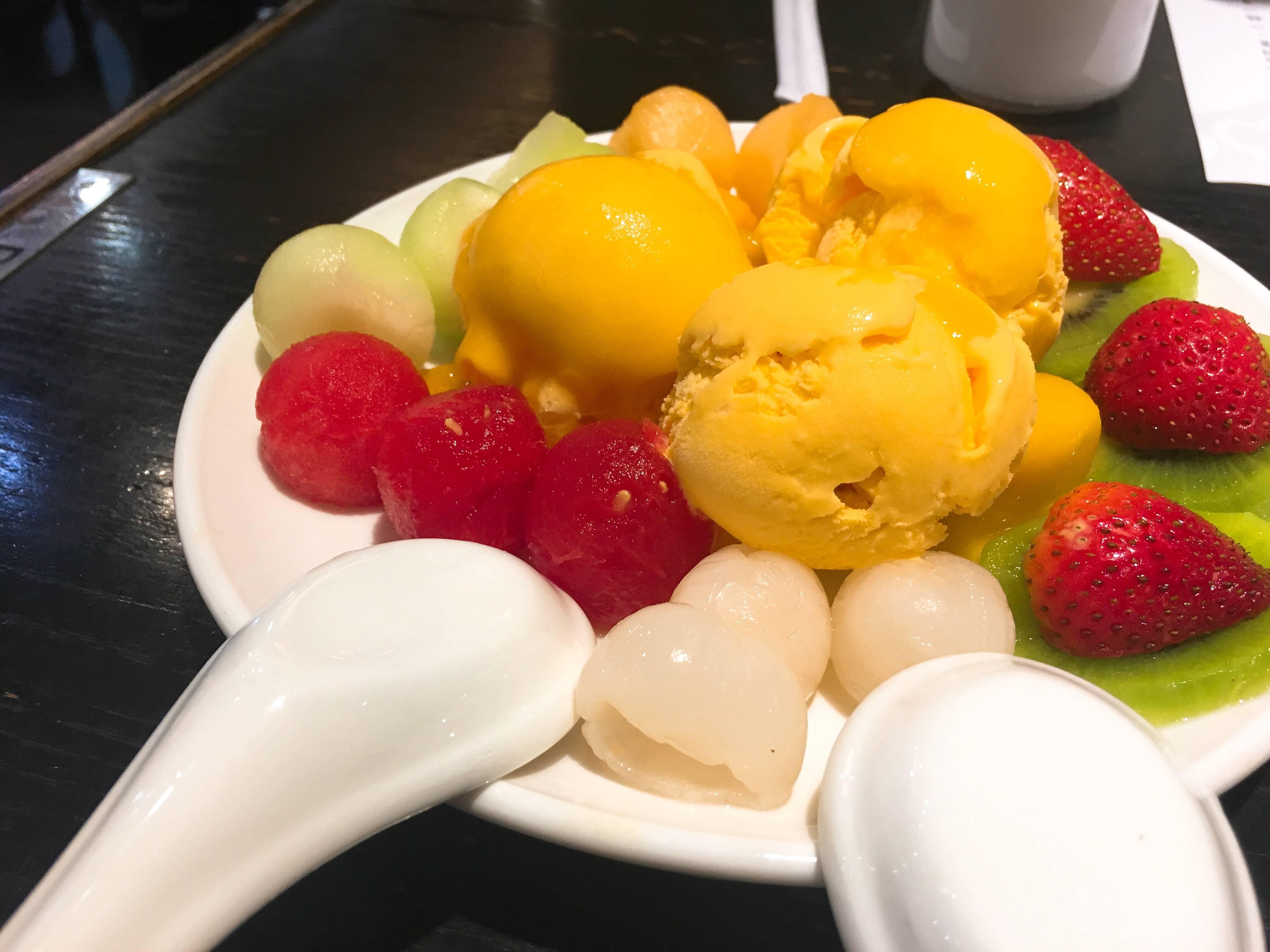 見た目も可愛いマンゴーのアイス
