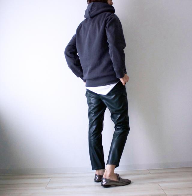 【エコレザー】のスカート&パンツで、冬コーデの鮮度がアップ! 40代ファッションまとめ_1_26