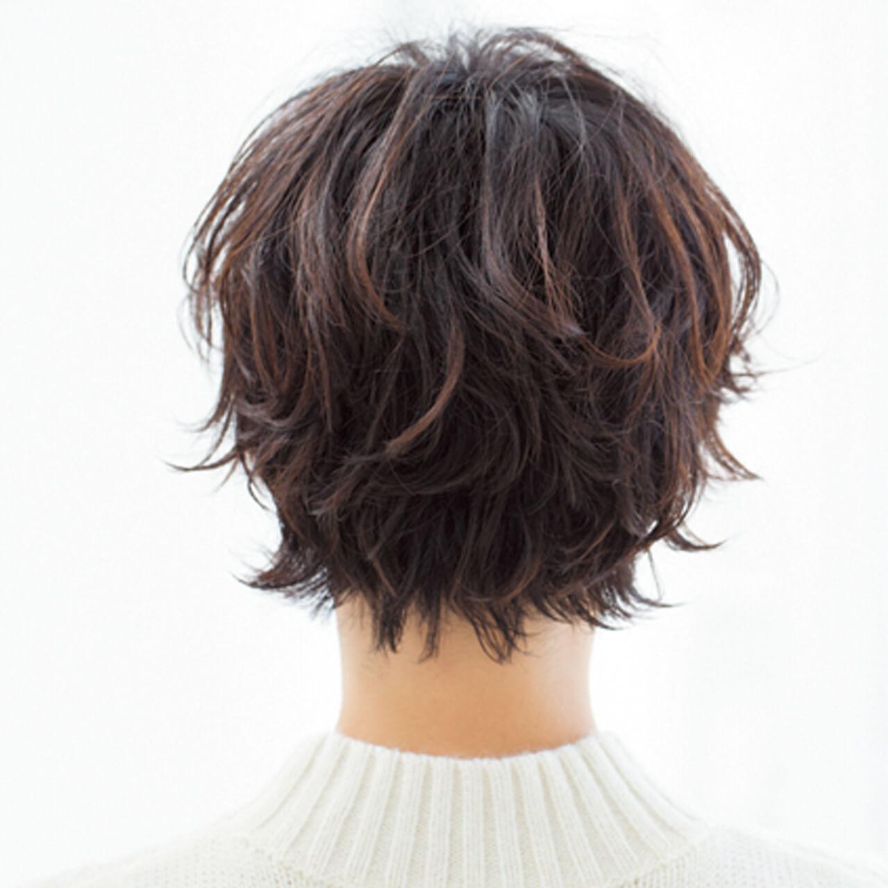 顔まわりのピンパーマで自然な立体感を。キュートなショートヘアの完成!【40代のショートヘア】_1_3