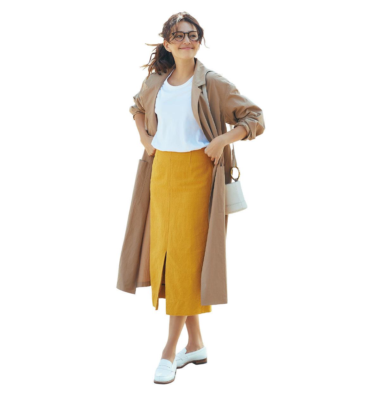 ファッション ベージュコート×イエロースカートコーデ