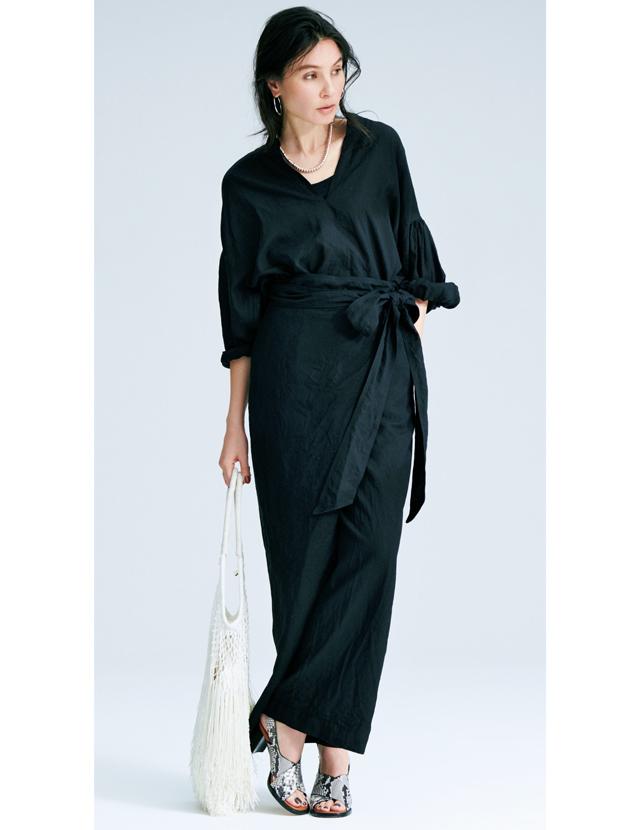 涼やかな黒で凝ったデザインを