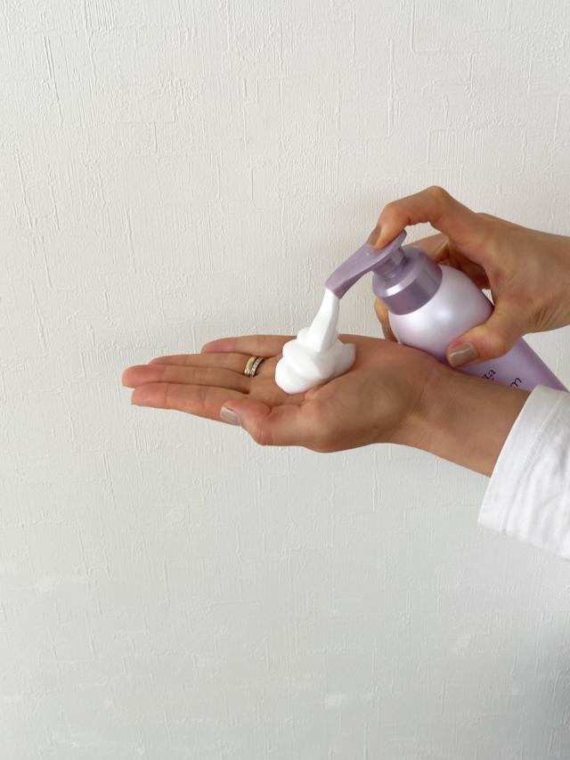 炭酸泡で洗う!アラフォーの髪を美しく整えてくれるシャンプー&コンディショナー_1_2