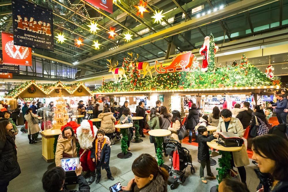 国内でも有数の老舗クリスマスマーケットでは、ドイツのクリスマス気分が満喫できる